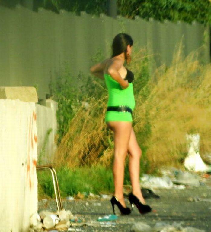 Комсомольске в легковой девушки поведения