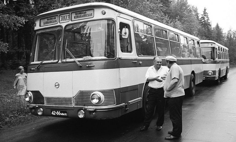 Получила оргазм от вибрации на сиденьях автобуса