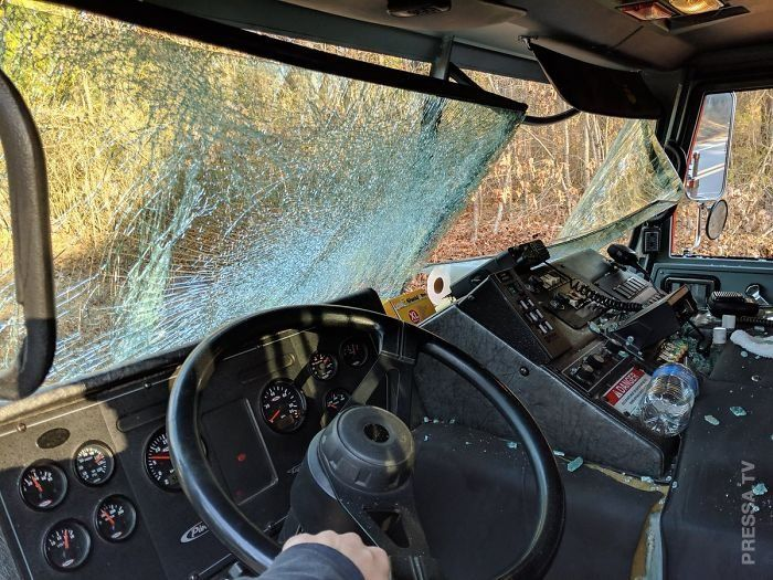 Водитель загоревшегося грузовика погиб, но успел отъехать подальше от людей авто,машины