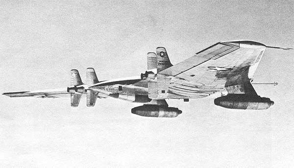 НЛО в небе: огромный самолет, который предпочли уничтожить сами создатели