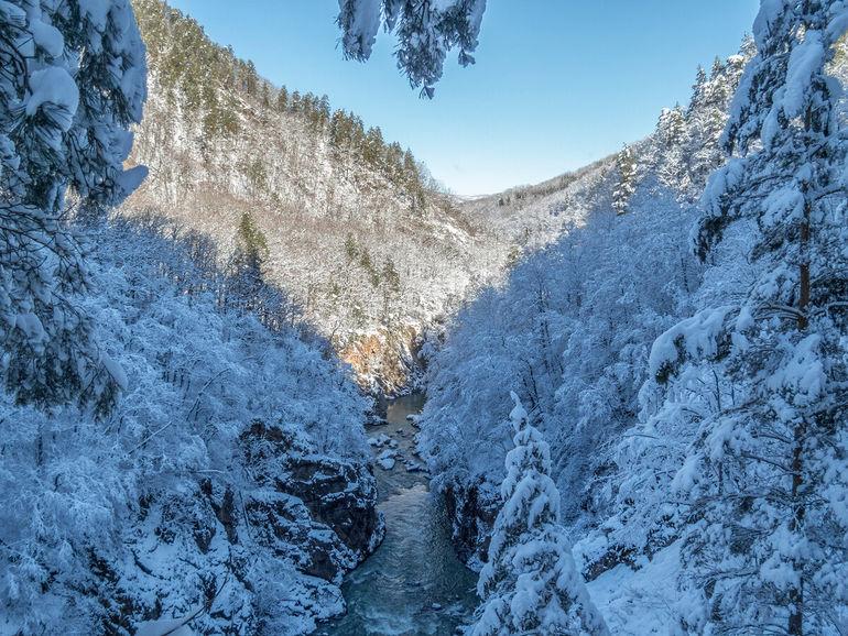 Три часа зимы: редкие фото заснеженной Адыгеи