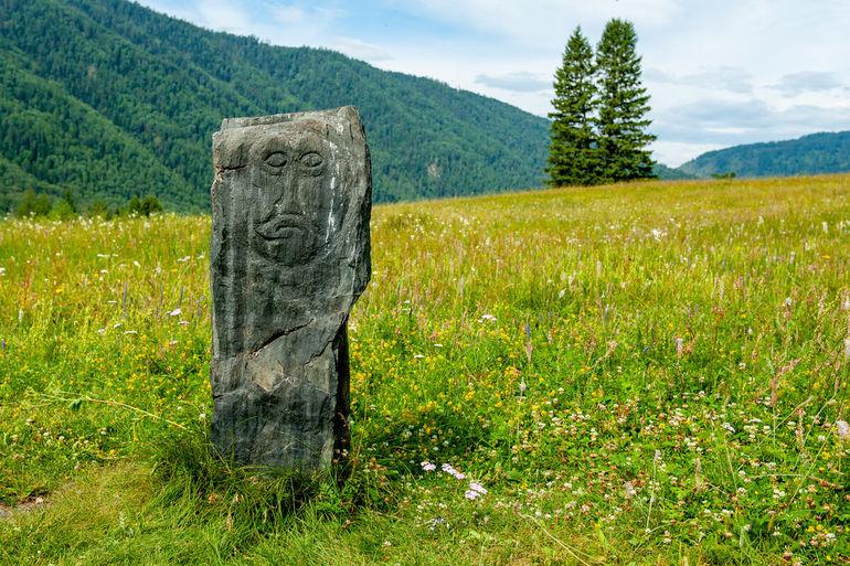 """Каменные бабы на Алтае. Загадочное послание древних воинов, около 10 веков """"ждущих"""" разгадку"""
