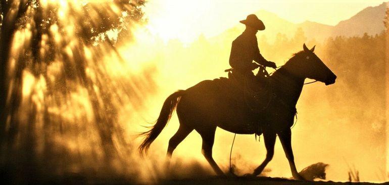 А вы знали, что знаменитая ковбойская шляпа была создана из-за болезни одного человека?