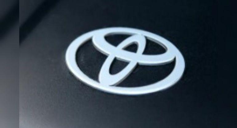 Toyota Land Cruiser 300 может получить турбодизель V6 от Mazda