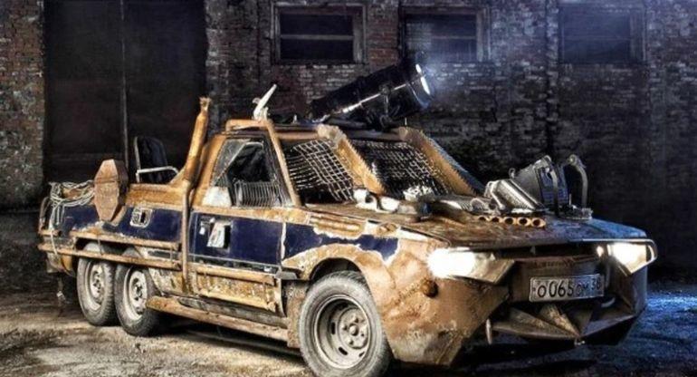 «Безумный Макс» по-иркутски: шестиколёсный автомобиль на базе Toyota Carina Surf