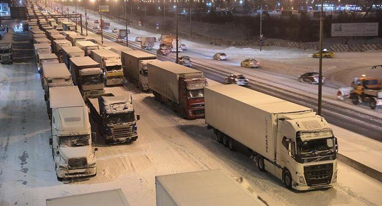 МКАД закроют для транзитных грузовиков навсегда