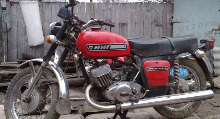 В Сети вспомнили о популярном советском мотоцикле Иж-Юпитер