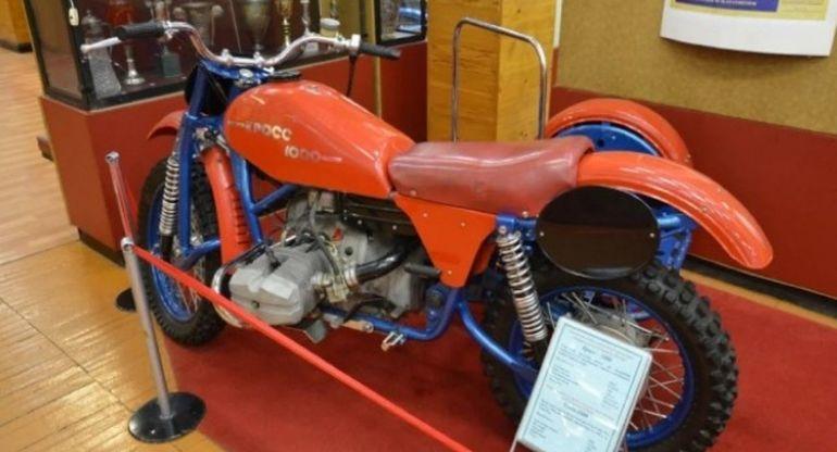 Кроссовый мотоцикл Урал использовали для гонок байков с колясками