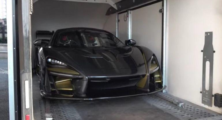 Доставку в Лондон гиперкара McLaren Senna, стоимостью 1,5 млн долларов, показали на видео
