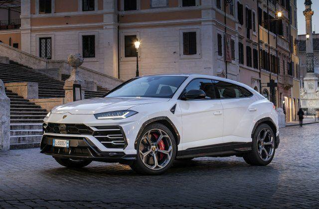 Lamborghini Urus 2020 года207 326 долларов   650 лошадиных сил
