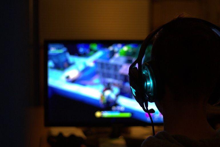 Джойстики Dualshock 4: новые эмоции от игры