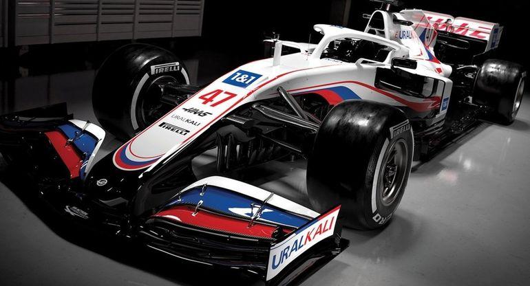 Болид команды Haas Формулы-1 все же проведет сезон в цветах российского триколора