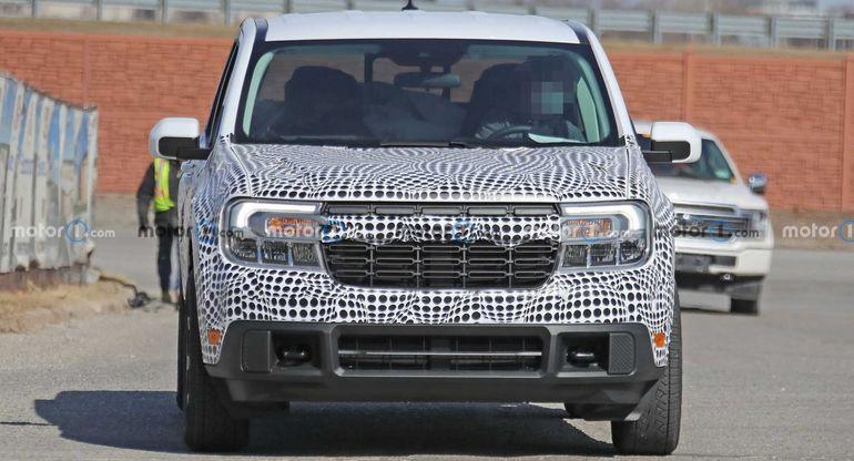 Ford Maverick 2022 года заметили без камуфляжа во время фотосессии