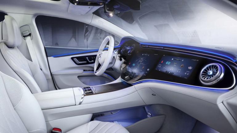 Mercedes-Benz EQS интерьер Deep Dive | экраны, звуки и запахи в изобилии.