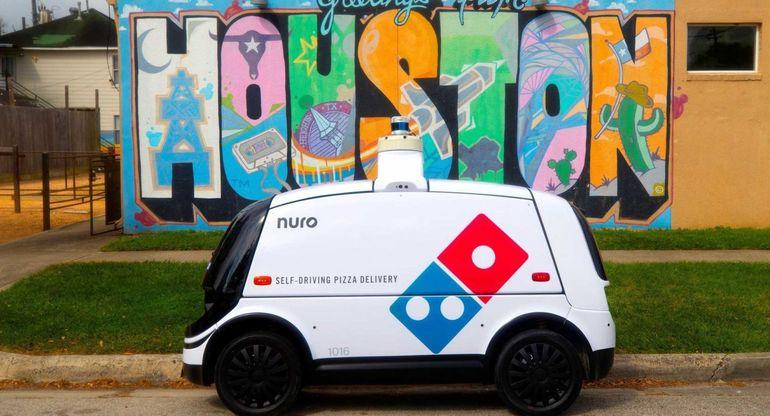 В Техасе пиццу начал доставлять автономный роботизированный автомобиль Domino