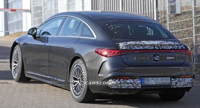 «Заряженный» седан Mercedes-AMG EQS Electric Performance снова замечен на тестах