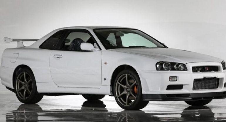 Редкую модель Nissan Skyline R34 GT-R V-Spec II Nur 2002 года с нулевым пробегом выставили на аукцион