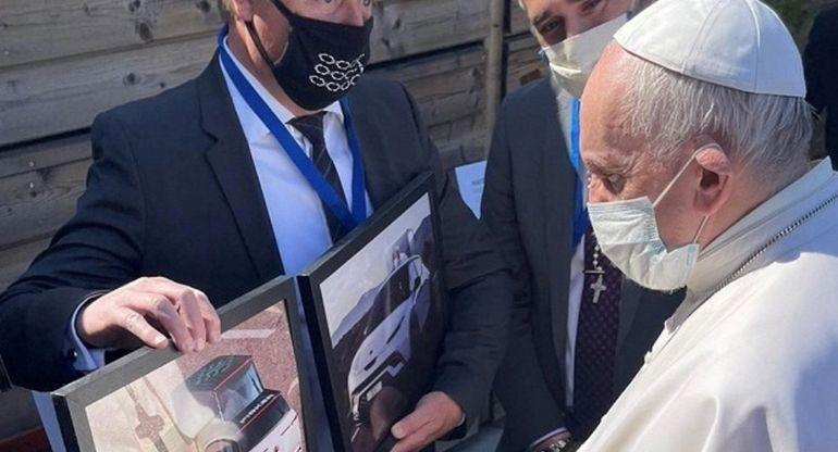 Компания Fisker планирует создать электрокар для Папы Римского