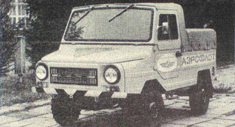 ЛуАЗ-2403 — компактный внедорожник времен СССР