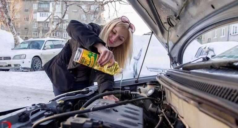 Для чего автолюбители применяют постное масло в машине?