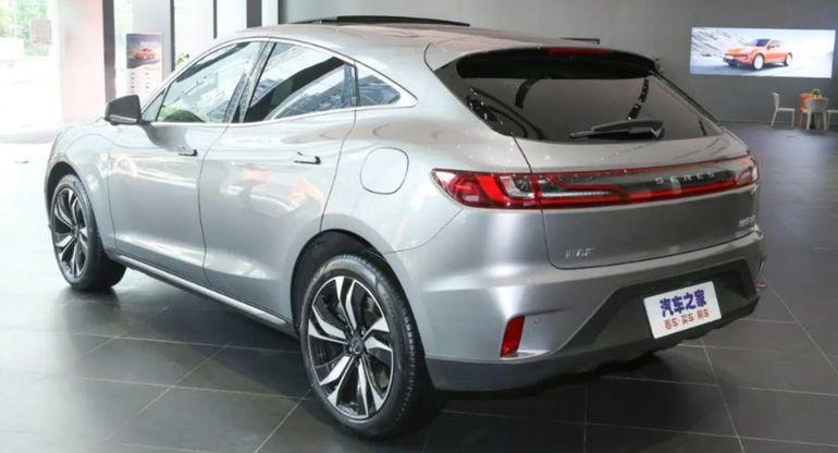 Honda выведет на рынок новый 7-местный кроссовер N7X за 1,3 млн рублей