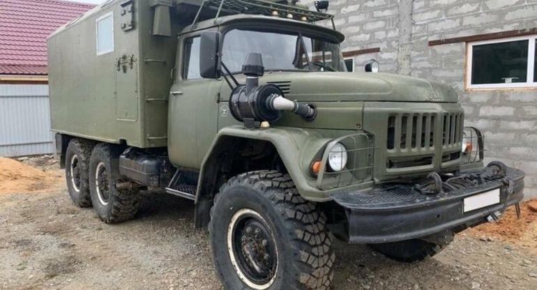 Редкий автодом на базе ЗИЛ-131