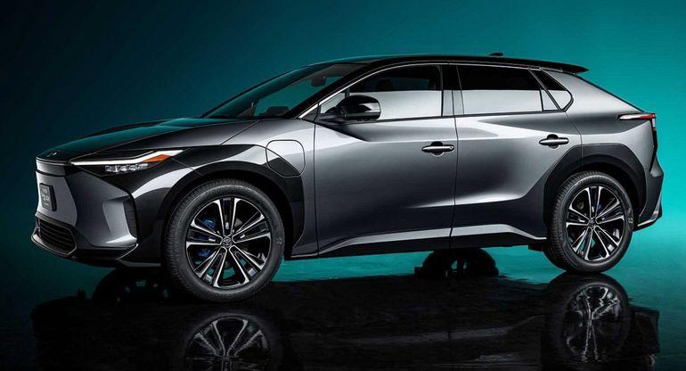 Серийный кроссовер Toyota bZ4x дебютирует в 2021 году