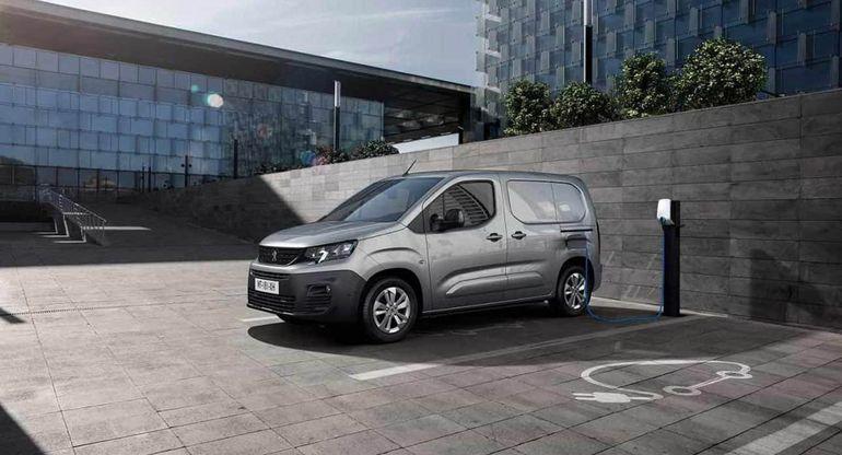 Peugeot Partner выбран «Автомобилем Года в России»