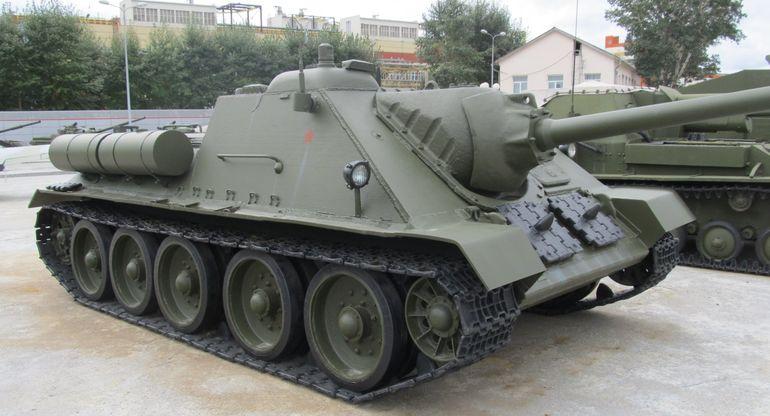 СУ-85 — САУ, которая противостояла немецким «Тиграм» и «Пантерам»