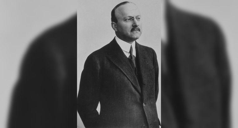 От зубцов и боеприпасов до автомобиля Фантомаса: история и современность Citroën