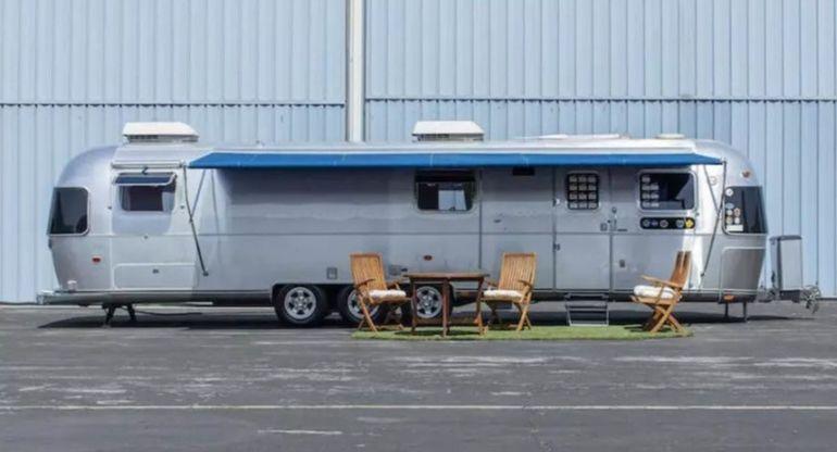На продажу выставили дом на колесах Тома Хэнкса