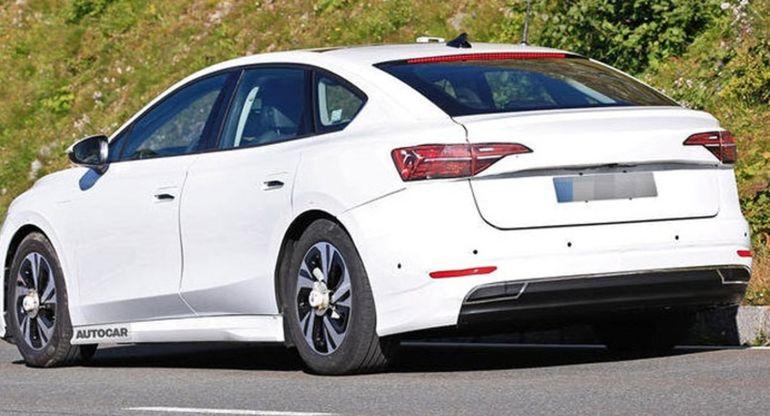 Volkswagen начал тестировать электрический вариант модели Passat