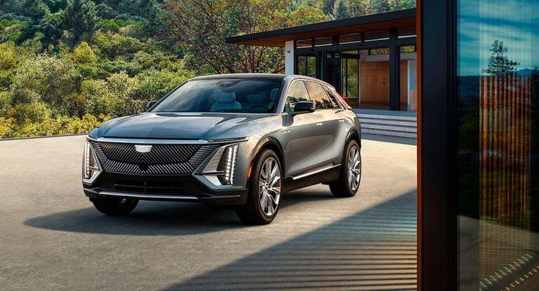 Cadillac начинает прием заказов на электрический кроссовер Lyriq 2023 года