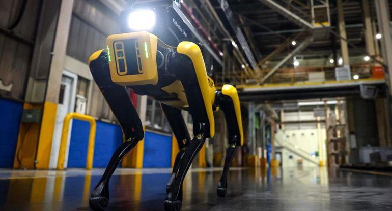 Робот Spot от Boston Dynamics начал работать на заводе Kia