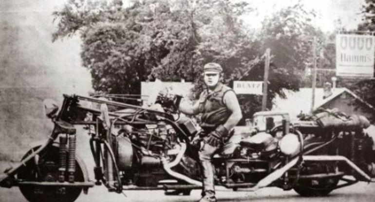 «Дорожный Пёс»: Мотоцикл-монстр весом в полторы тонны