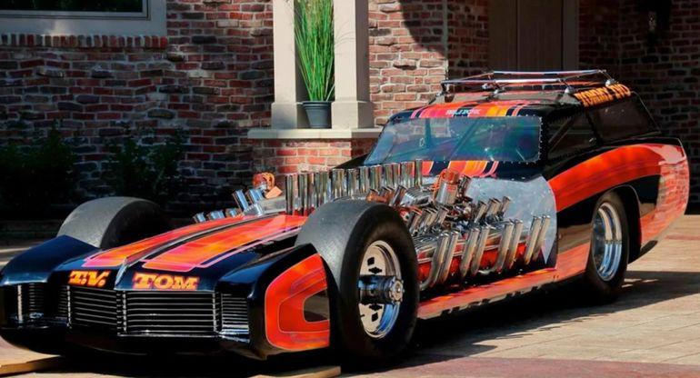 На аукционе продадут необычный Buick, который имеет четыре мотора V8